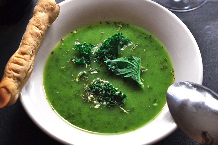 Spiced kale and pea soup