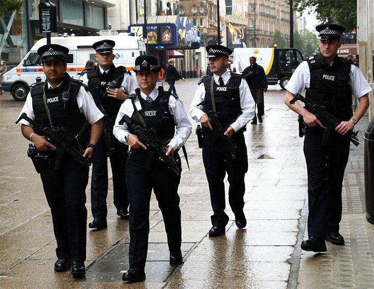 Police_Patrol_Guns_Armed