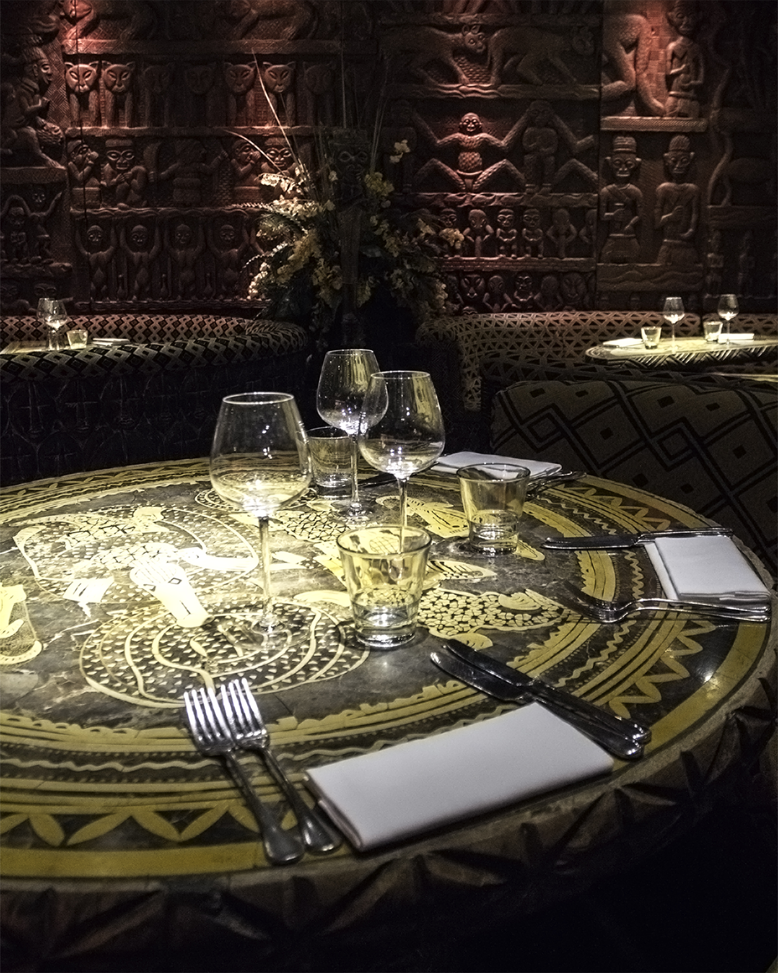 David_Rothwell_Shaka_Zulu_Restaurant_Table