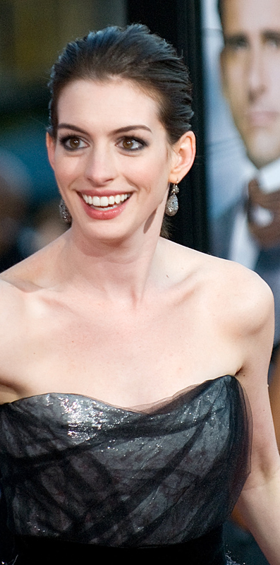 Anne Hathaway at the Get Smart Premiere