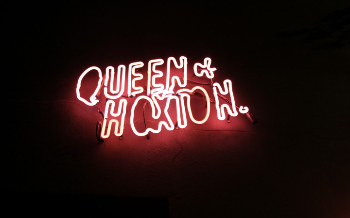 Queen_Of_Hoxton_Sign