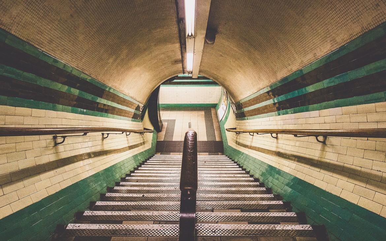 Morning peace on the London underground [The Boy Geniuz Photography]