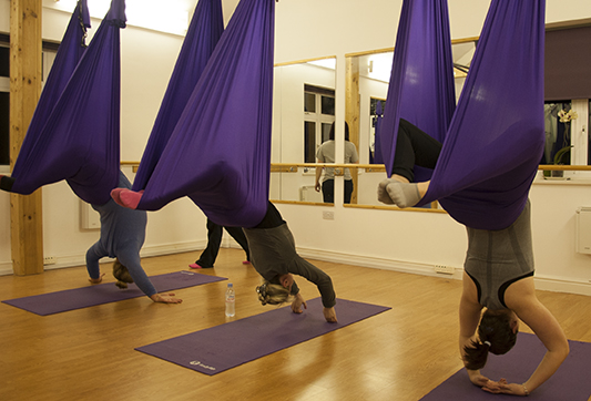 yoga_antigravity_fitness_mind_relax_therapy