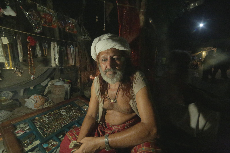 Vendor outside the Shrine [Hasham Cheema]