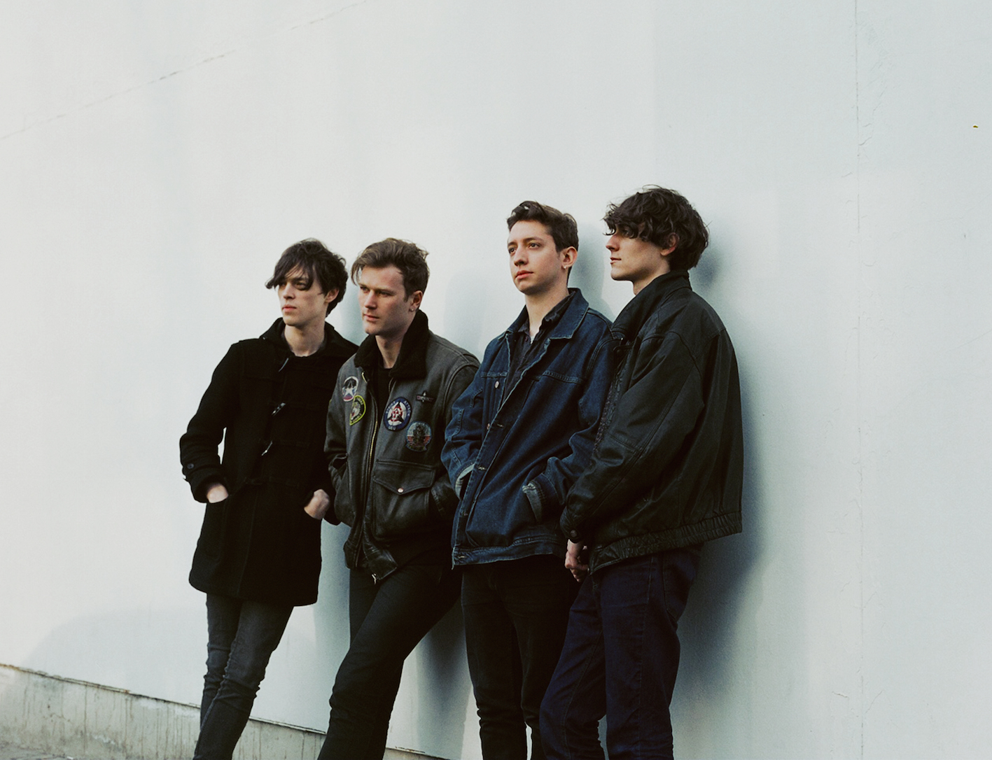 Gengahr standing by a wall