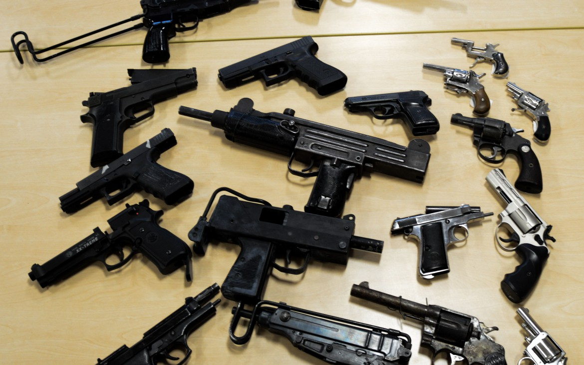Illegal firearms gained in a met police raid