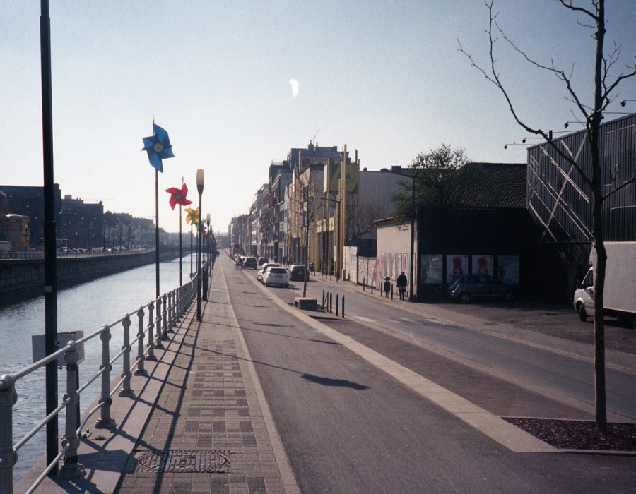 Molenbeek canalside road