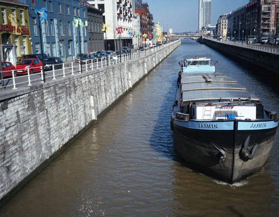 Molenbeek canal and barge