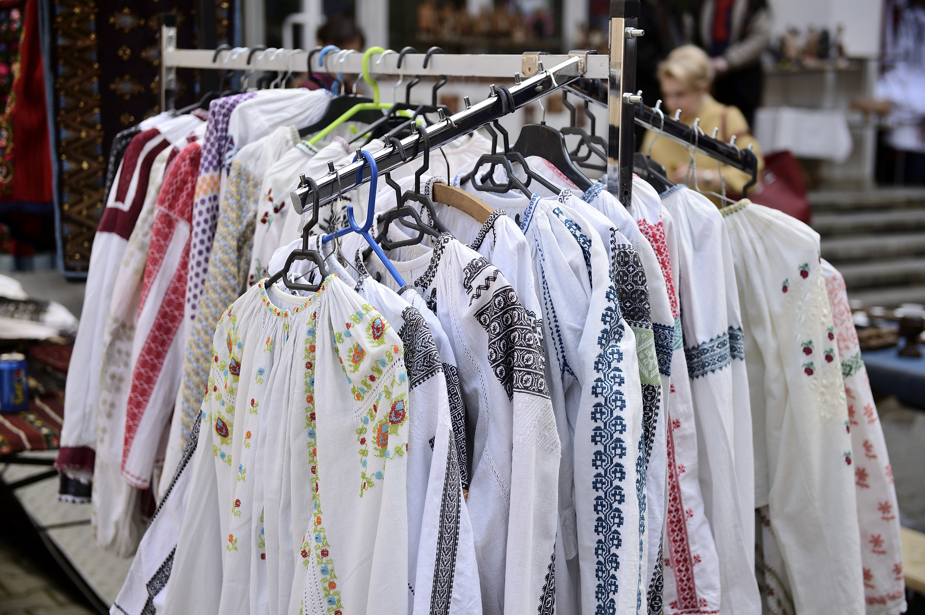 Authentic Romanian blouses can be found at most fairs and traditional bazaars all over the country. MIHAI DASCALESCU / MEDIAFAX FOTO