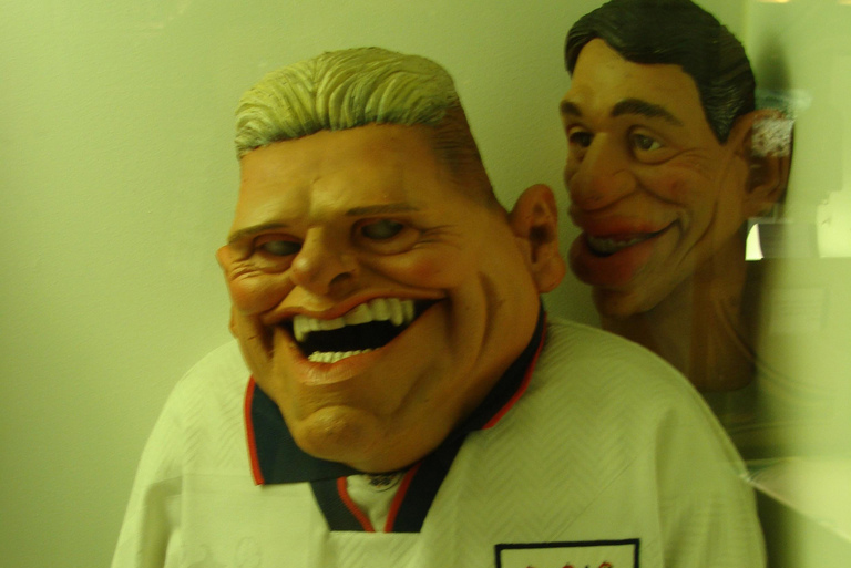 Gascoigne and Lineker puppets from Spitting Image