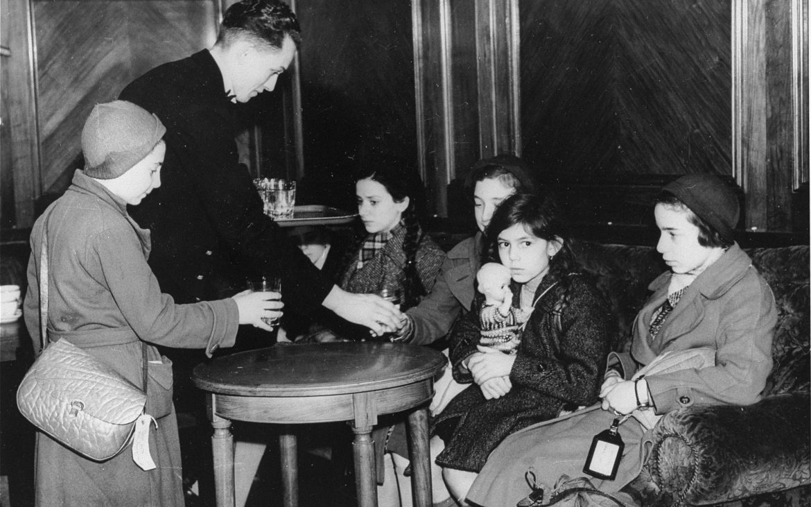 The first group, which arrived in Harwich via the Hook of Holland on December 2, 1938 consisted of 200 children between the ages of 12 and 17 from Berlin and Hamburg.
