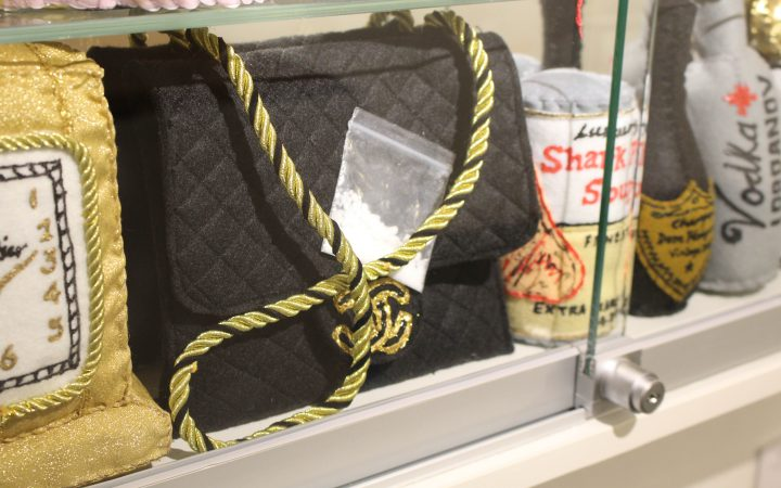 An image from Lucy Sparrow's shoplifting exhibition in at the Lawrence Atkin Gallery including felt made bag