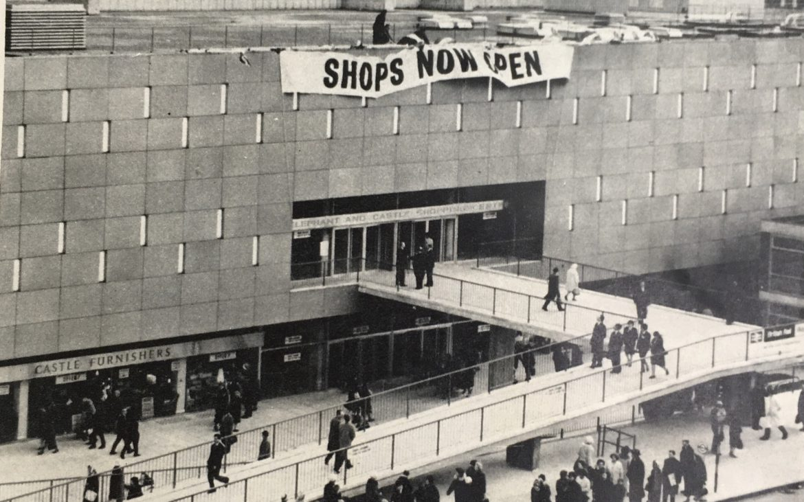 elephant and castle shopping centre opens 1965