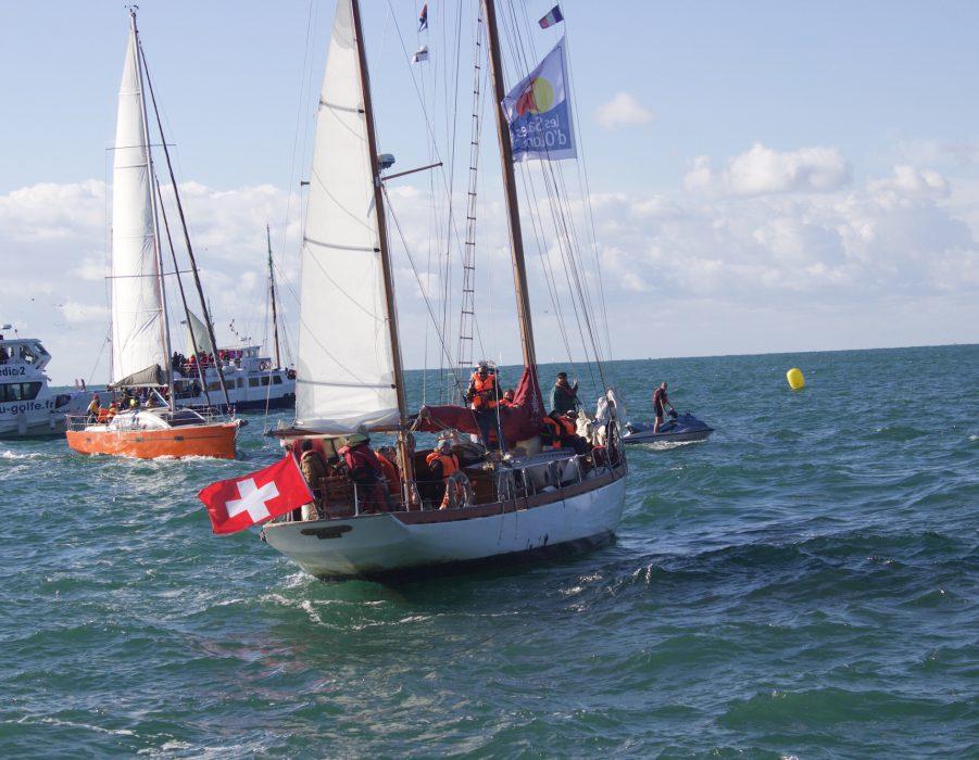 Racing yachts at sea