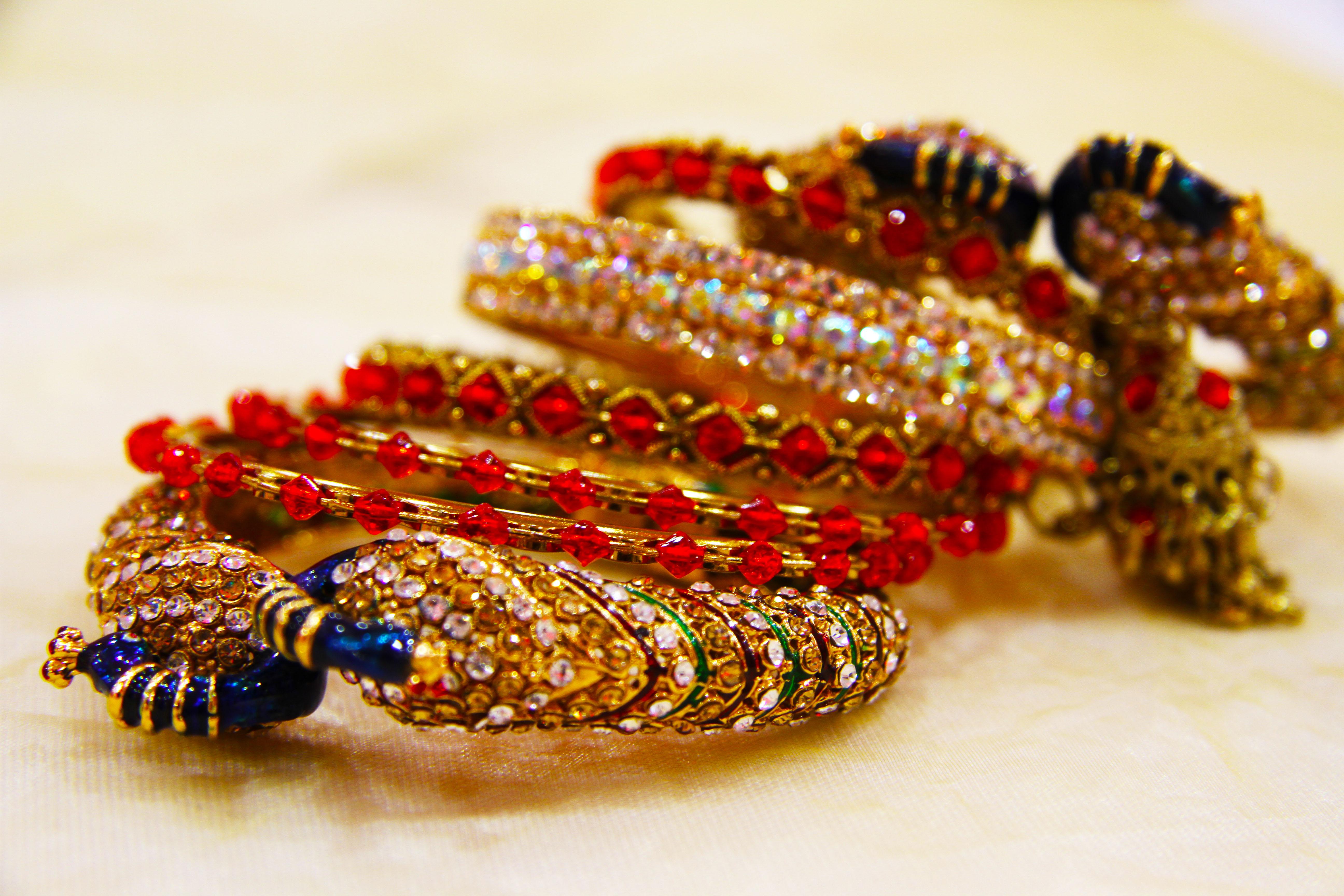 Wedding bangles Photography: Naveena Patel
