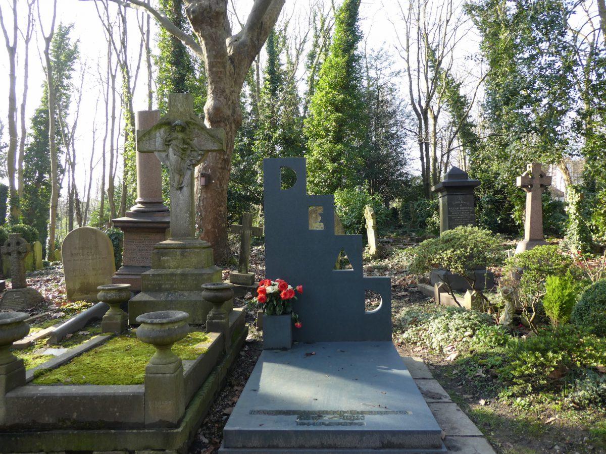 Patrick Caulfield grave