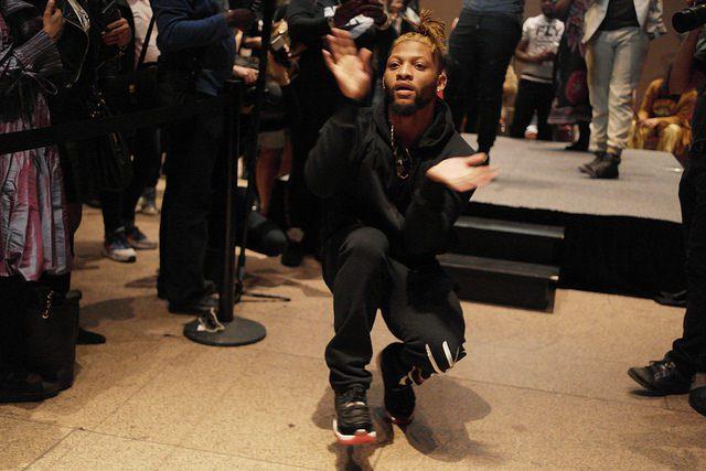 Vogue dancing