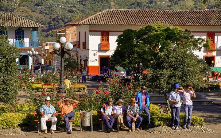Pedro Szekely - Farmers having a rest