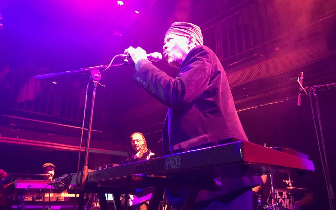 Roy Ayers performing Searchin'