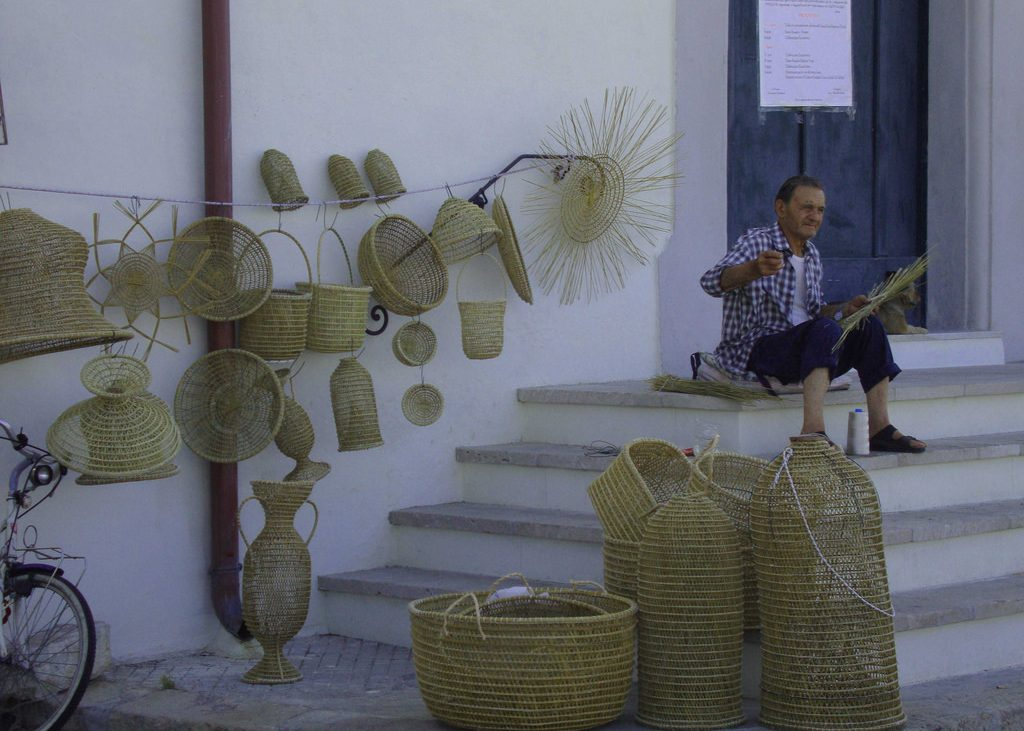 Man making wicker baskets in Gallipoli