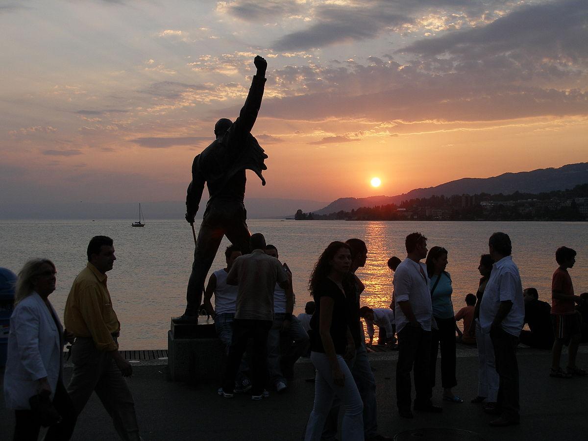 Freddie Mercury statue at sunset
