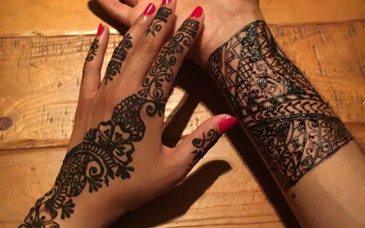 Henna can be worn by men and women [Maha Khan]
