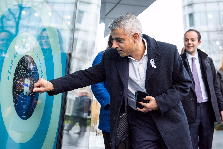 Sadiq Khan donates at a TAP London poin