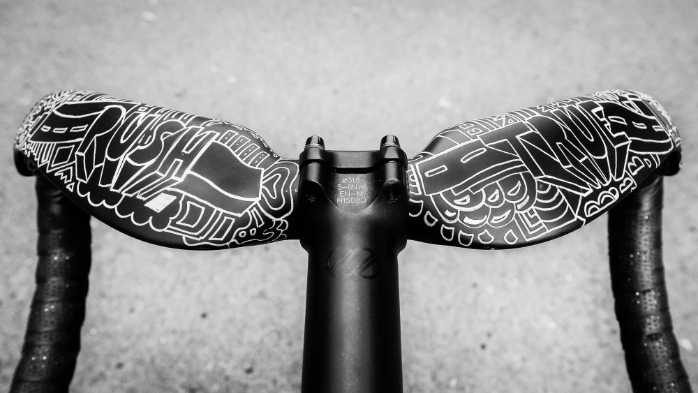 Custom designed handlebars by Juliane Borths.