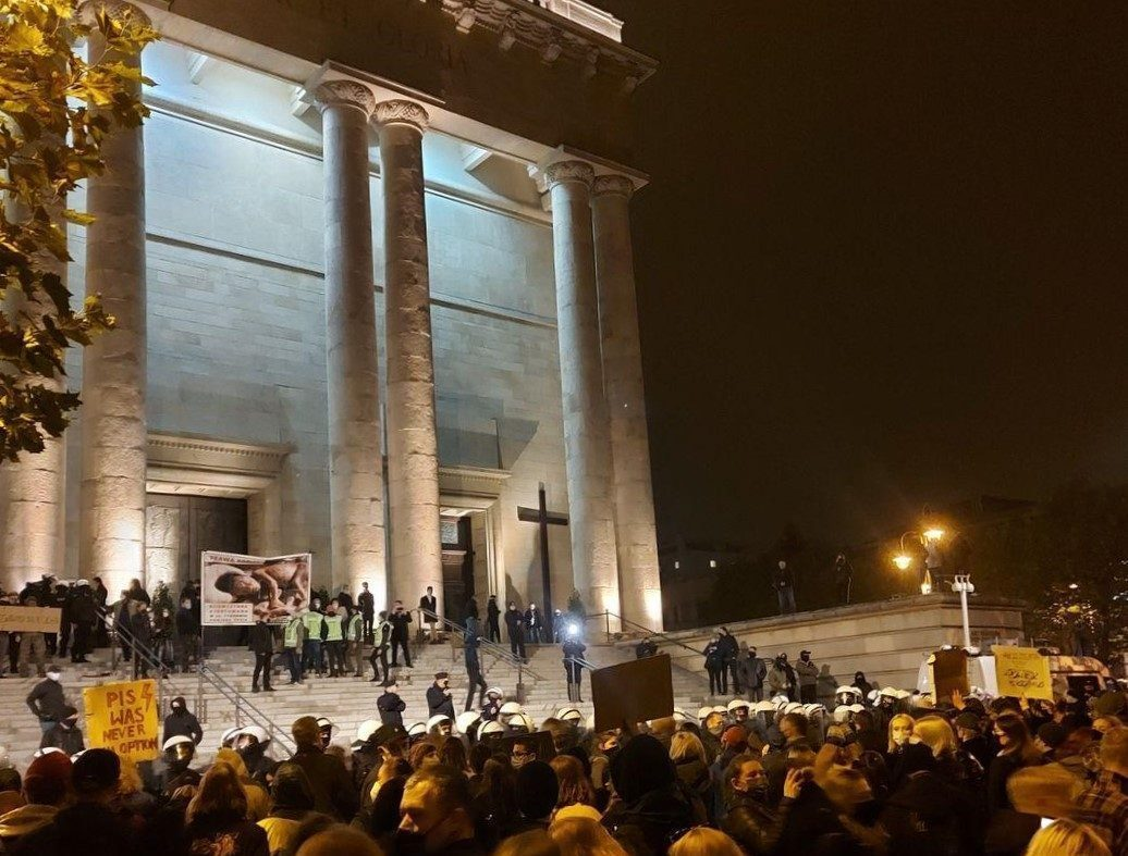 A crowd of pro-abortion protesters in front of the cathedral in Katowice, Poland