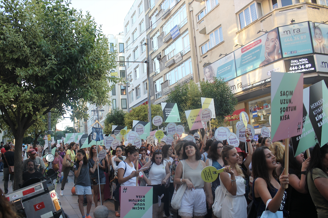 "Picture from ""Don't interfere with my clothes [Kiyafetime karisma]"" protest in Kadikoy, Istanbul on July 29, 2017. Photograph by Neslihan_Turan"