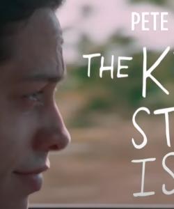 Screenshot of Pete Davidson in The King of Staten Island trailer.